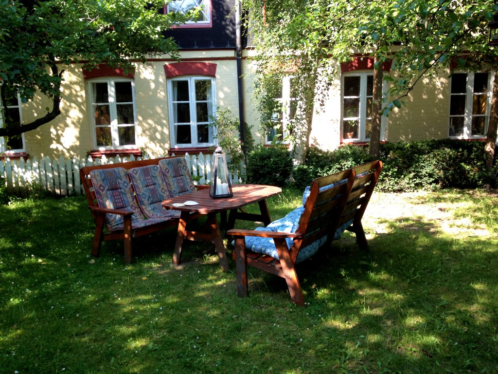 Guest house malm summer rentals enjoy your stay in malm for Guest house backyard